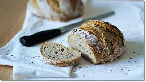 Homemade rye bread on JillHough.com