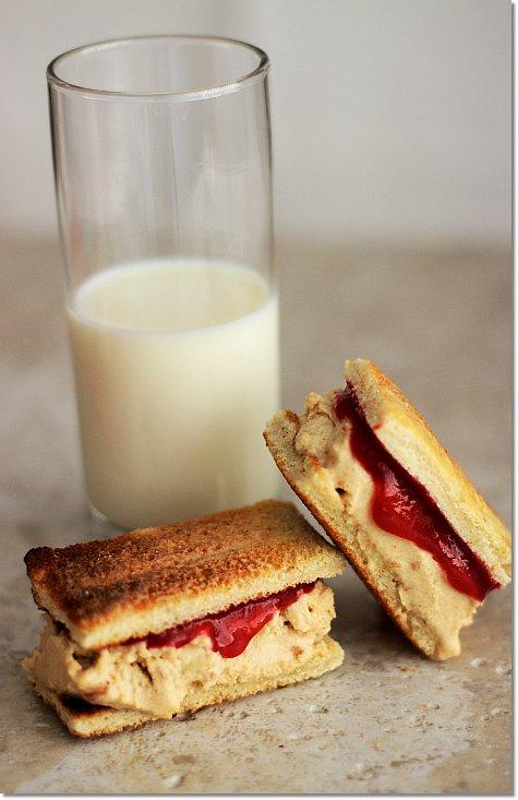 PB&J Ice Cream Sandwich on JillHough.com